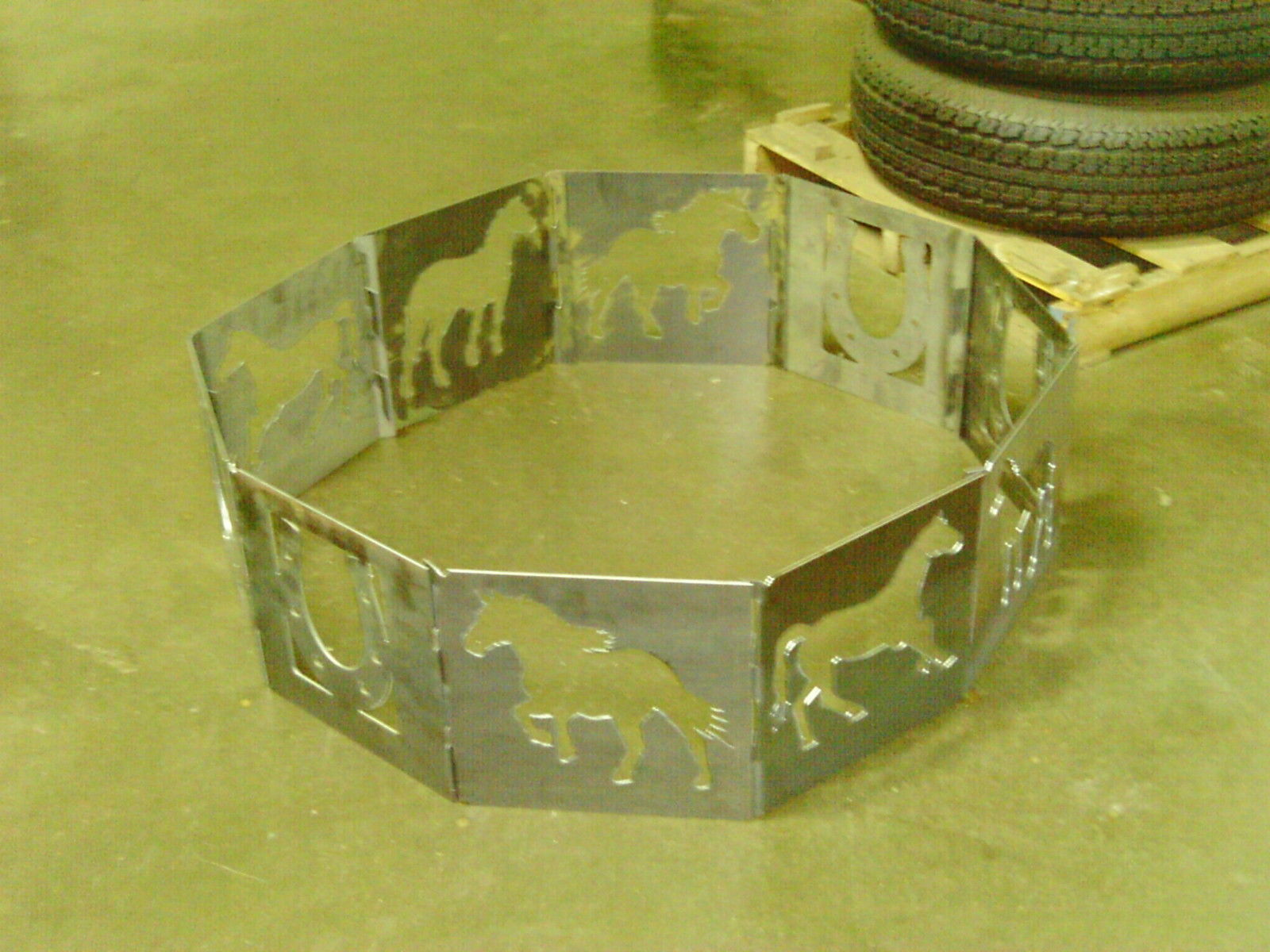 Campfire Fire Pit Ring Horse Outdoor 40 Decagon Heavy Duty Steel 10 Panels